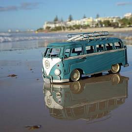 Howard Ferrier - Beached