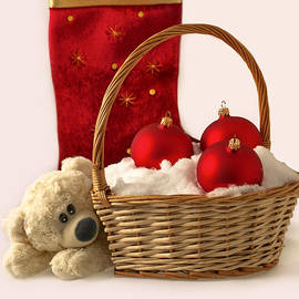 Sviatlana Kandybovich - Bear is near wicker with Christmas balls