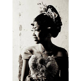Jon Frank - Beautiful Balinese Bride Buleleng Bali