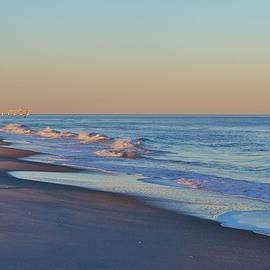 Cynthia Guinn - Beautiful Ocean In NC