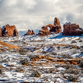Bob and Nancy Kendrick - Beautiful View in Arches