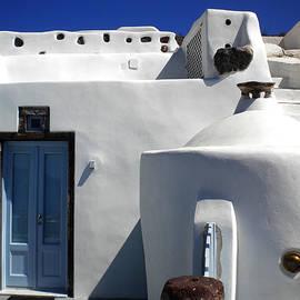 Colette V Hera  Guggenheim  - Beauty on Santorini island