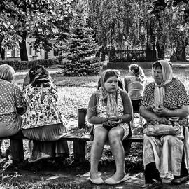 Madeline Ellis - Bench Scene - Russia