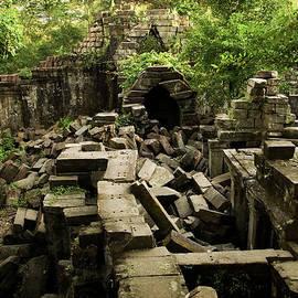 Artur Bogacki - Beng Mealea Jungle Temple