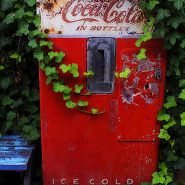 Luther   Fine Art - Austin Texas - Coca Cola Vending Machine - Luther Fine Art