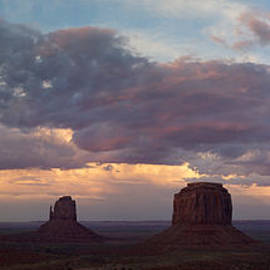 Patrick Jacquet - Blazing sky over Monument Valley