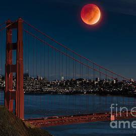Dan Hartford - Blood Moon Over Golden Gate Bridge