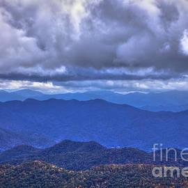Reid Callaway - Under The Cloud Cover Blue Ridge Mountains North Carolina