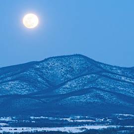 Lara Ellis - Blue Ridge Winter Moon