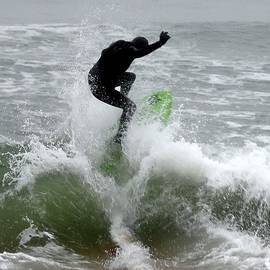 Kim Bemis - Boardskimming - Into the Surf