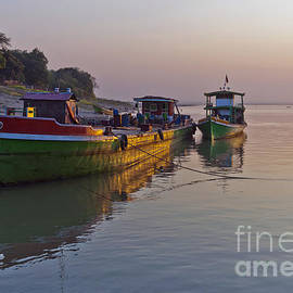 Beth Wolff - Boat on Irrawaddy River at sunset