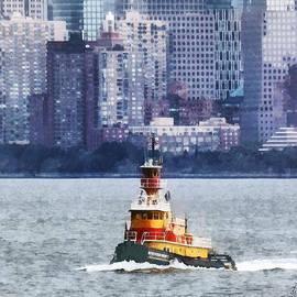 Susan Savad - Boat - Tugboat By Manhattan Skyline