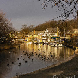 Tom Gari Gallery-Three-Photography - Boathouse Row at Dawn