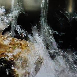 Colette V Hera  Guggenheim  - Bodensee Flash Water Switzerland