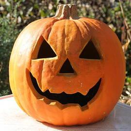 Valerie Collins - Halloween Smiling Pumpkin