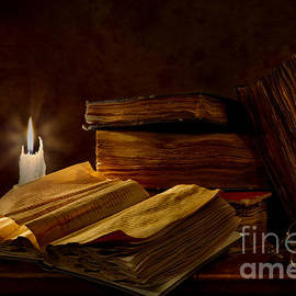 Mary Tomaino - Books By Candle Light