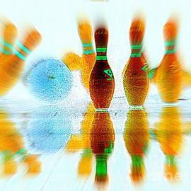 Ed Weidman - bowling blur