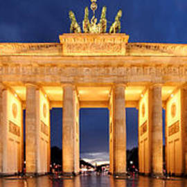 Marc Huebner - Brandenburg Gate Berlin Panorama