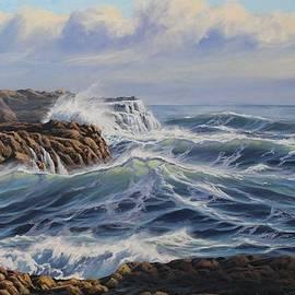 Samuel Earp - Breaking Waves at Whites Beach