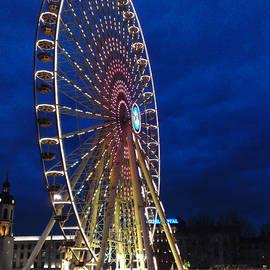 Stwayne Keubrick - Bright night ferris wheel
