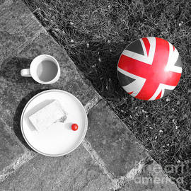 Pete Edmunds - British Sunday - Still Life - Selective Red