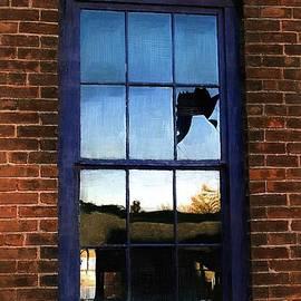 RC deWinter - Broke Window