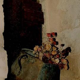 Colette V Hera  Guggenheim  - Broken Dreams