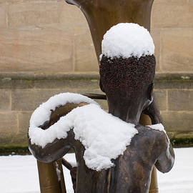 Matthias Hauser - Bronze statue of a boy with a tuba