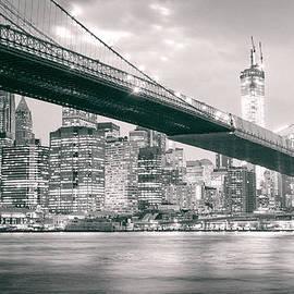 Vivienne Gucwa - Brooklyn Bridge and New York City Skyline at Night