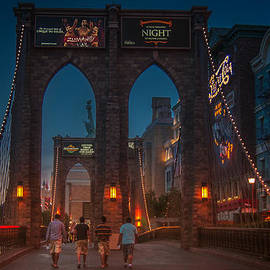 Eduardo Tavares - Brooklyn Bridge In Las Vegas