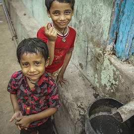 Valerie Rosen - Brothers in Omkareshwar