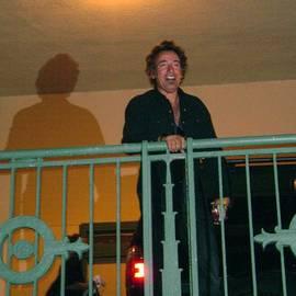 Melinda Saminski - Bruce Springsteen on the balcony