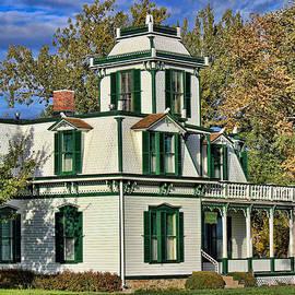 Sylvia Thornton - Buffalo Bill House 07