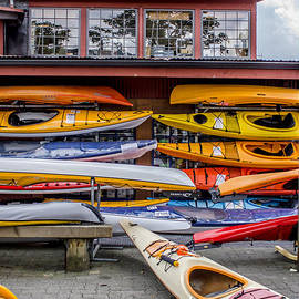 Alanna Dumonceaux - The Colorful Art of Kayaking