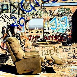 Ellen and Udo Klinkel - Cadiz Summit 66 Graffiti