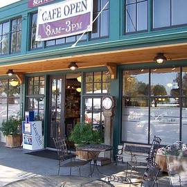 Patti Walden - Cafe and General Store in Port Gamble
