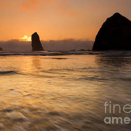 Mike Dawson - Cannon Beach Tides