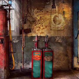 Mike Savad - Car - Station - Gas Pumps