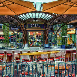 Thomas Woolworth - CATAL Outdoor Cafe Downtown Disneyland 01