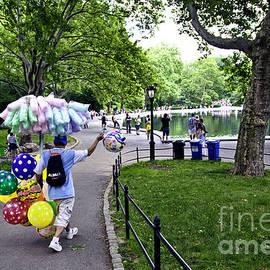 Madeline Ellis - Central Park Balloon Man