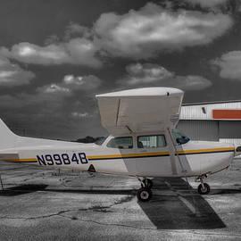 John Straton - Cessna 172 R G Cutlass