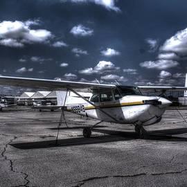 John Straton - Cessna 182 R G Skylane v1