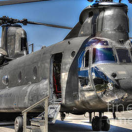 Ken Johnson - Ch 47 Chinook  Us Army