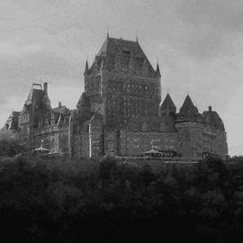 Richard Andrews - Chateau Frontenac B n W