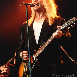 Gary Gingrich Galleries - Cheap Trick-95-Robin-2
