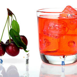 Paul Ge - Chefs making cherry juice little people on food