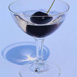 Guna  Andersone - Cherry in the glass