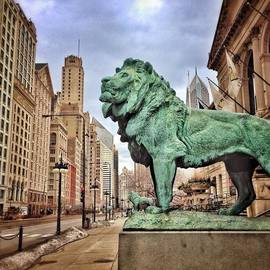 Paul Velgos - Chicago Art Institute Lion Statue