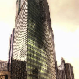 Thomas Woolworth - Chicago Facade 333 W Wacker HDR