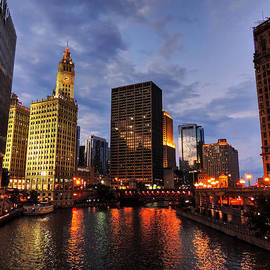 Lance Vaughn - Chicago River Twilight 001